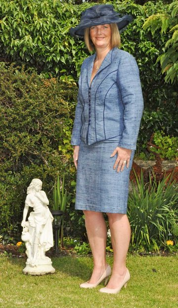 smart-blue-outfit-mother-of-the-bride-oxford